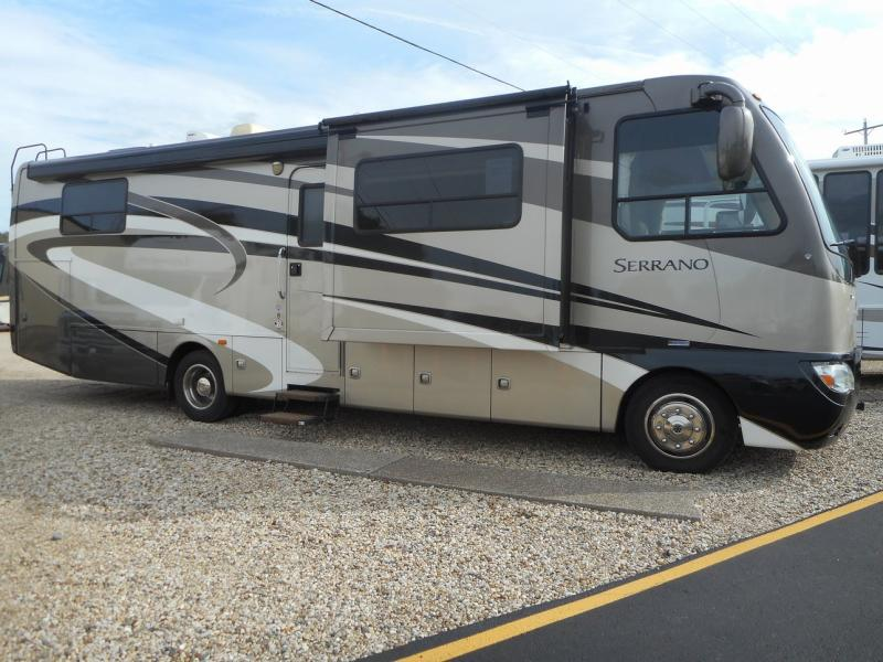 2011 THOR SERRANO 31V for sale in Mossville, IL