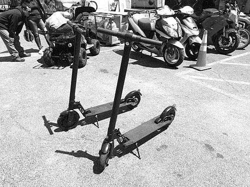 FOLD DOWN ELECTRIC SCOOTERS for sale in Berwyn, IL